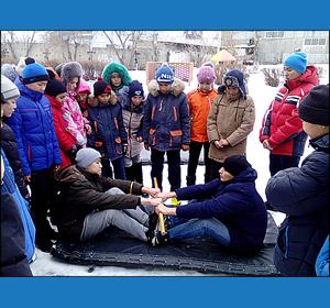 Красноярские школьники освоили игру «Ак терек-кок терек»