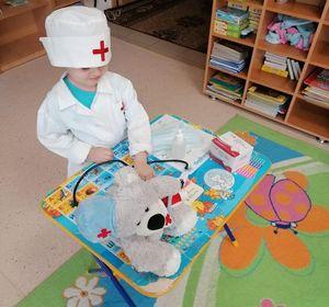 """Игра """"В больницу"""" стала хитом в дежурных детских садах"""