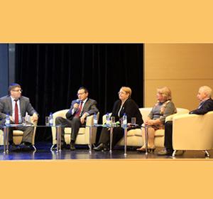 Глава города Красноярска Эдхам Акбулатов: «Городской форум – это коллективное творчество, активными участниками которого являются молодые красноярцы»