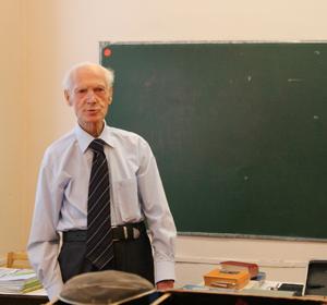 Старейший красноярский педагог помог своему ученику запатентовать изобретение