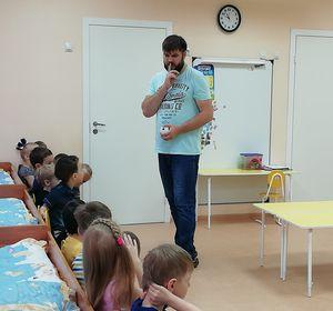 В Красноярске появился первый мужчина-воспитатель